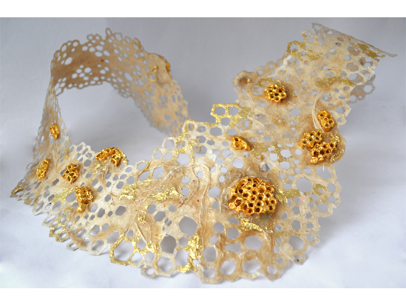 Stavroula Kaziale, Honeycomb Collar Neckpiece, 2015, handmade paper, fibers, gold-plated bronze, gold leaf, photo: artist