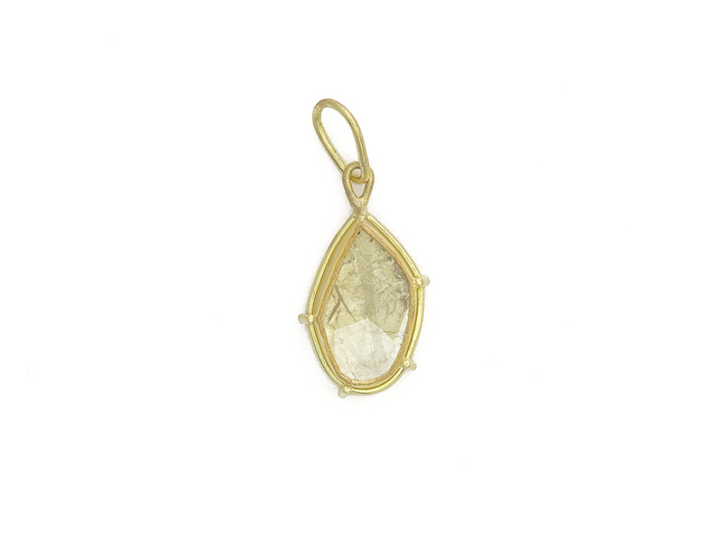 Diamond Slice Pendant, 2015, 18-karat yellow gold, 22-karat yellow gold, diamond slice, 25 x 10 x 5 mm, photo: artist