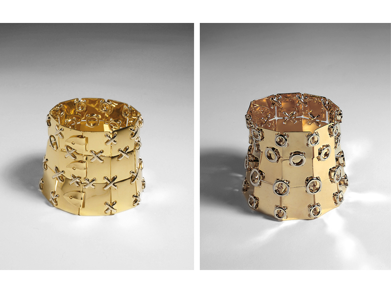GianCarlo Montebello, Fiches Large, Double Face, 1997, reversible cuff bracelet, 18-karat yellow gold plates, locking white-gold rods and X-shaped stitches, 62 (diameter at top) x 60 mm, photo: BOMontebello