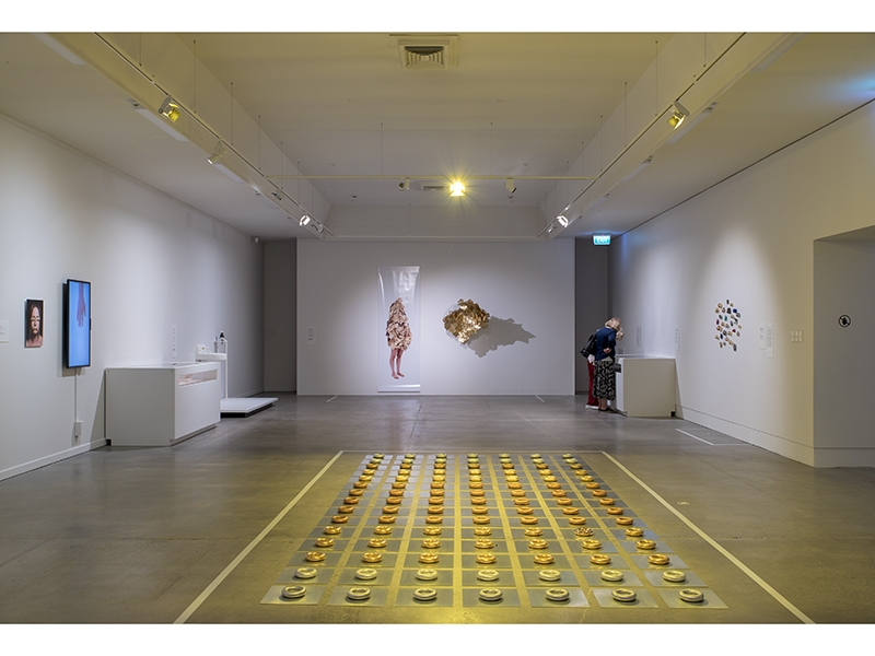 "Exhibition view of the gallery ""All that Glitters Is Not Gold"""